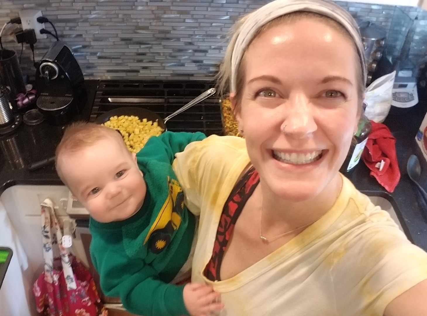 Mom%20and%20baby%20boy%20in%20kitchen_ed