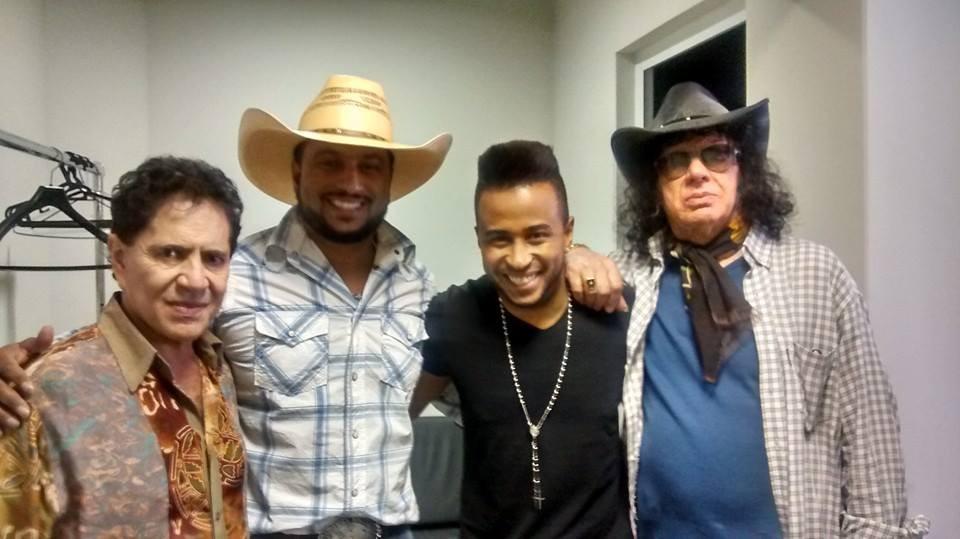 João Vitor e Edson e Léo Canhoto e Robertinho
