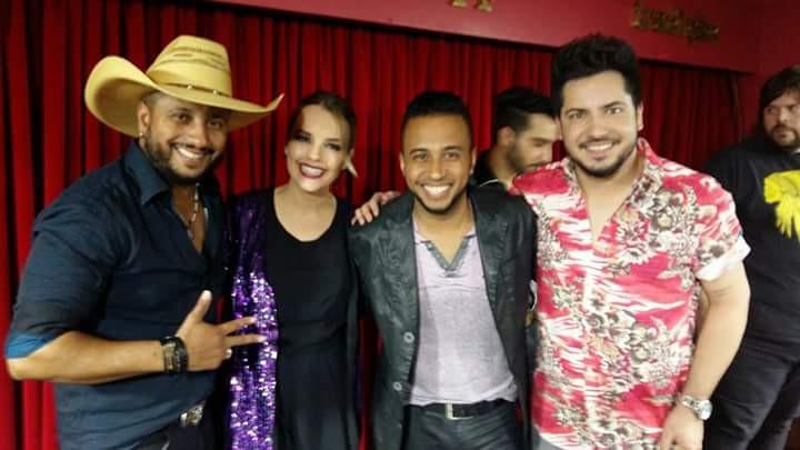 João Vitor e Edson e Thaeme e Thiago