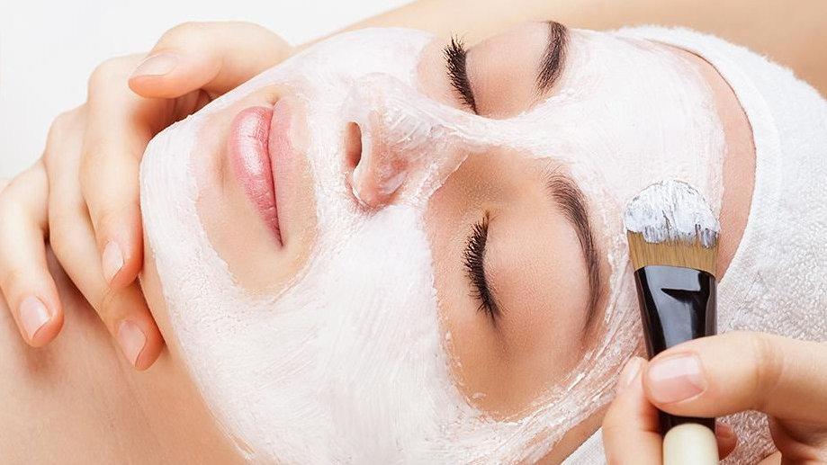 Mascara Facial com argila + Hidratação