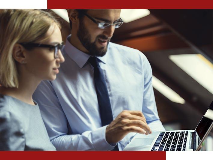 Clientes corporativos acessando o sistema e comprando uma viagem para seus colaboradores.
