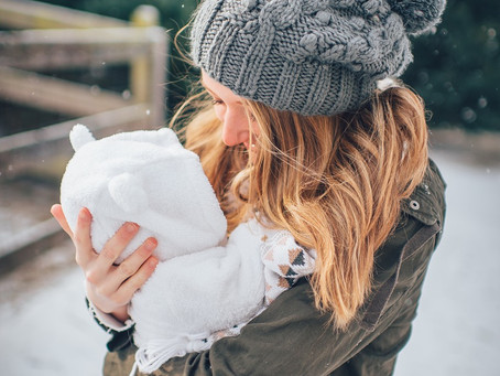 Top 5 Tips for New Moms: How to Keep Your Baby Safe and Warm All Winter