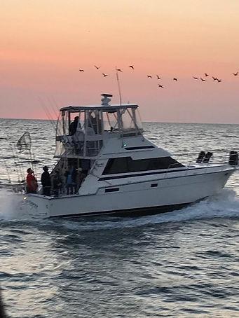 Salmon charter fishing aboard reel addiction sport fishing lake Ontario | Toronto | Mississauga | Niagara | Bronte | Port credit Salmon fishing charters | Toronto Salmon fishing charters |