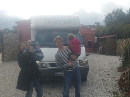 Familie Schats start met de camperreis
