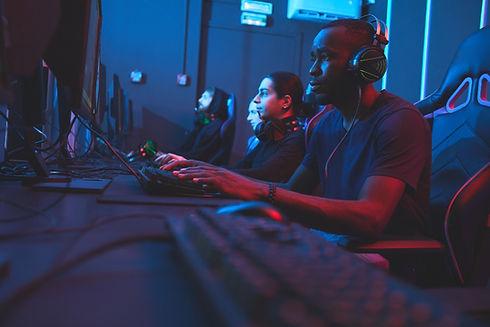 modern-innovative-programmers-XNCWRVP_ed