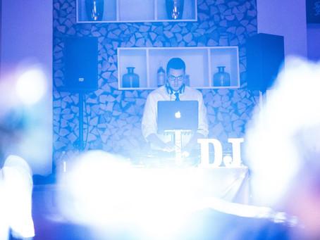 Was kostet ein DJ für eine Hochzeit?