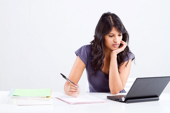 student_using_laptop9844019_ml.jpg
