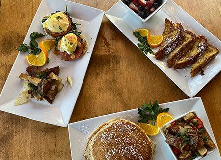 Sunday brunch restaurant near Lake Lindero, Agoura Hills serving food.