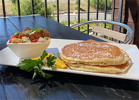 Lake Lindero sunday brunch served by restaurant in Agoura Hills.