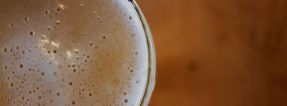 Bar near Calabasas, CA serving cold beer.