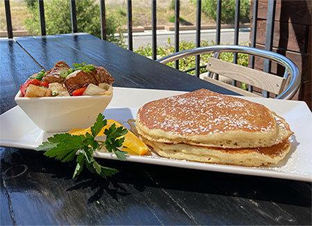 Avalon Oak Creek sunday brunch served by restaurant in Agoura Hills.
