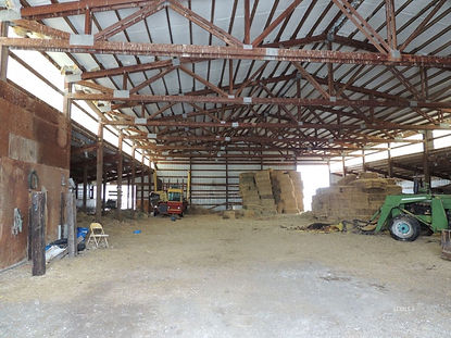 91946 hwy 140 inside main barn.jpg