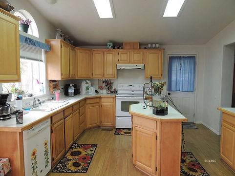 133 S E kitchen.jpg