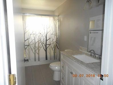1056 Linda Lane Bath.jpg