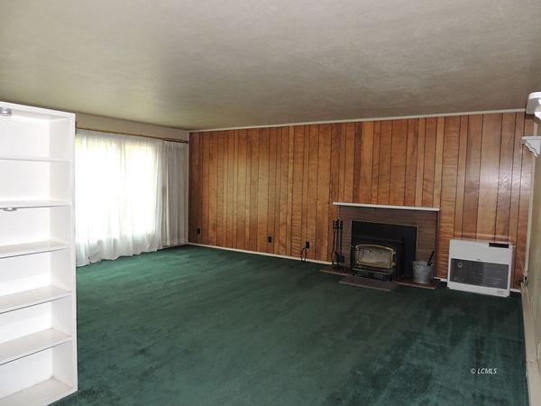435 s g family room.jpg