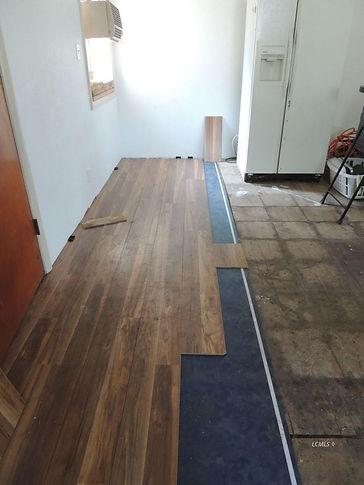729 n 7th laminate flooring.jpg