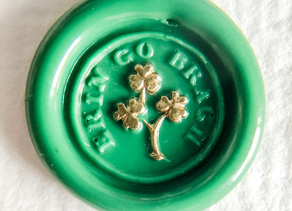 Gilt Erin Go Bragh Clovers in Huntress Green (Round)