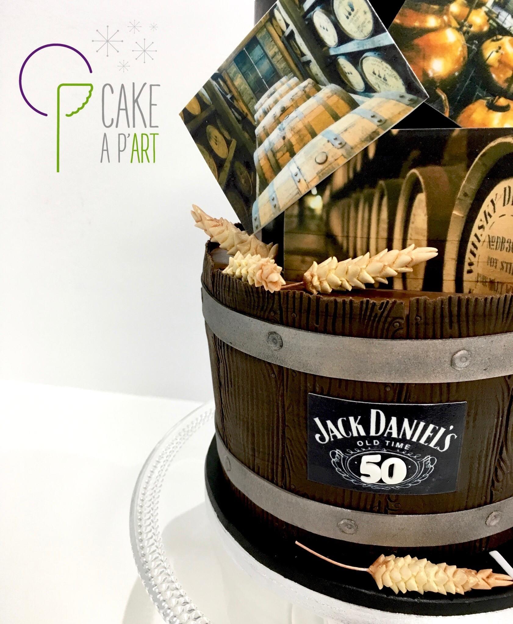Gâteau sur mesure anniversaire adulte - Thème Whisky Jack Daniel's