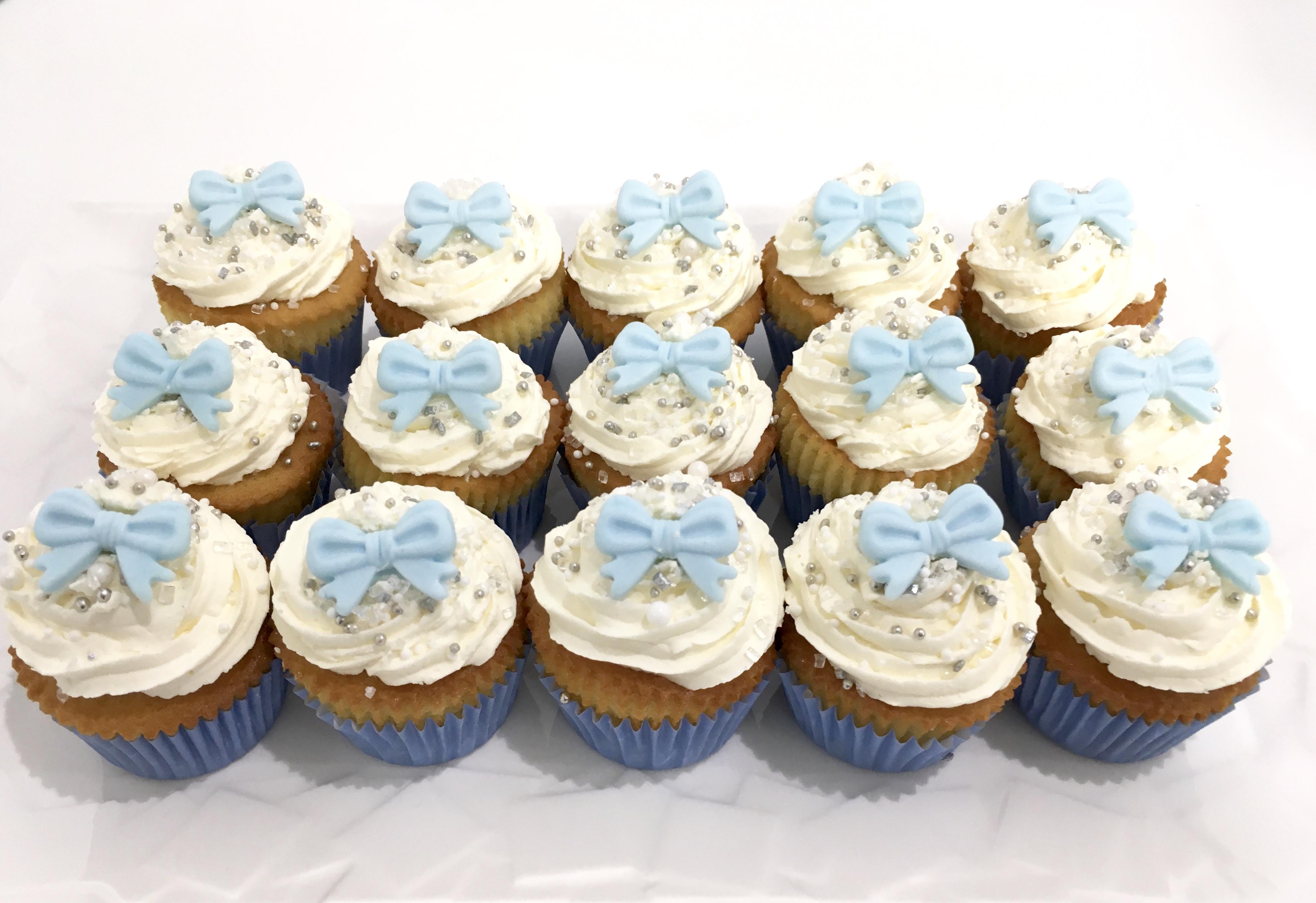 Gâteaux individuels personnalisés Anniversaire - Mini cupcakes Noeud bleu