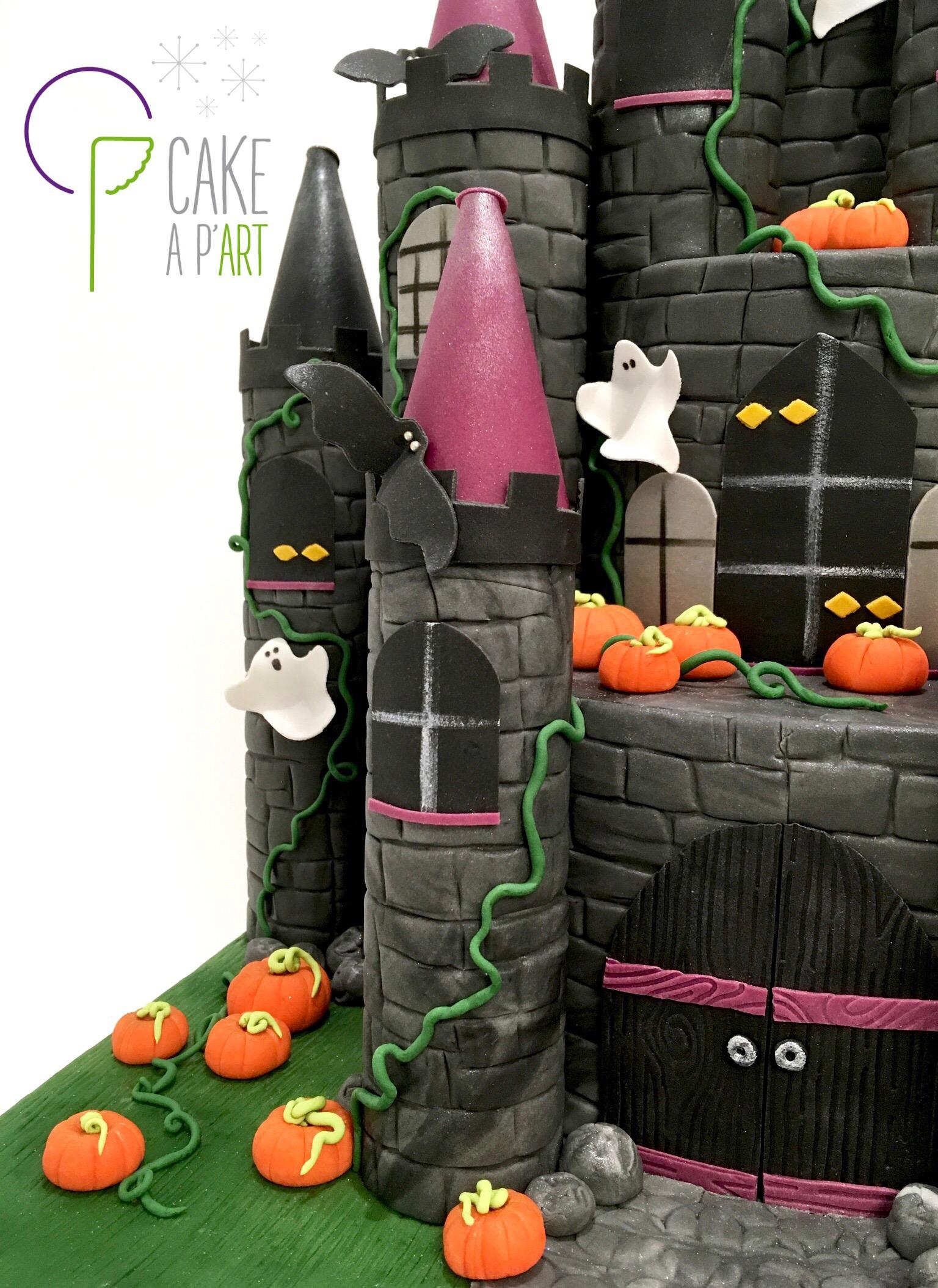 - Gâteau personnalisé 3D anniversaire enfant - Thème Halloween château hanté