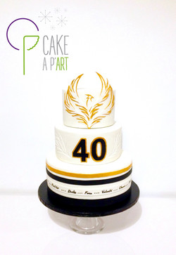 Gâteau sur mesure anniversaire adulte - Thème Phoenix doré