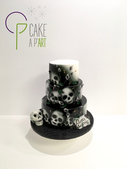 Gâteau sur mesure anniversaire adulte - Thème Hard rock et tête de mort