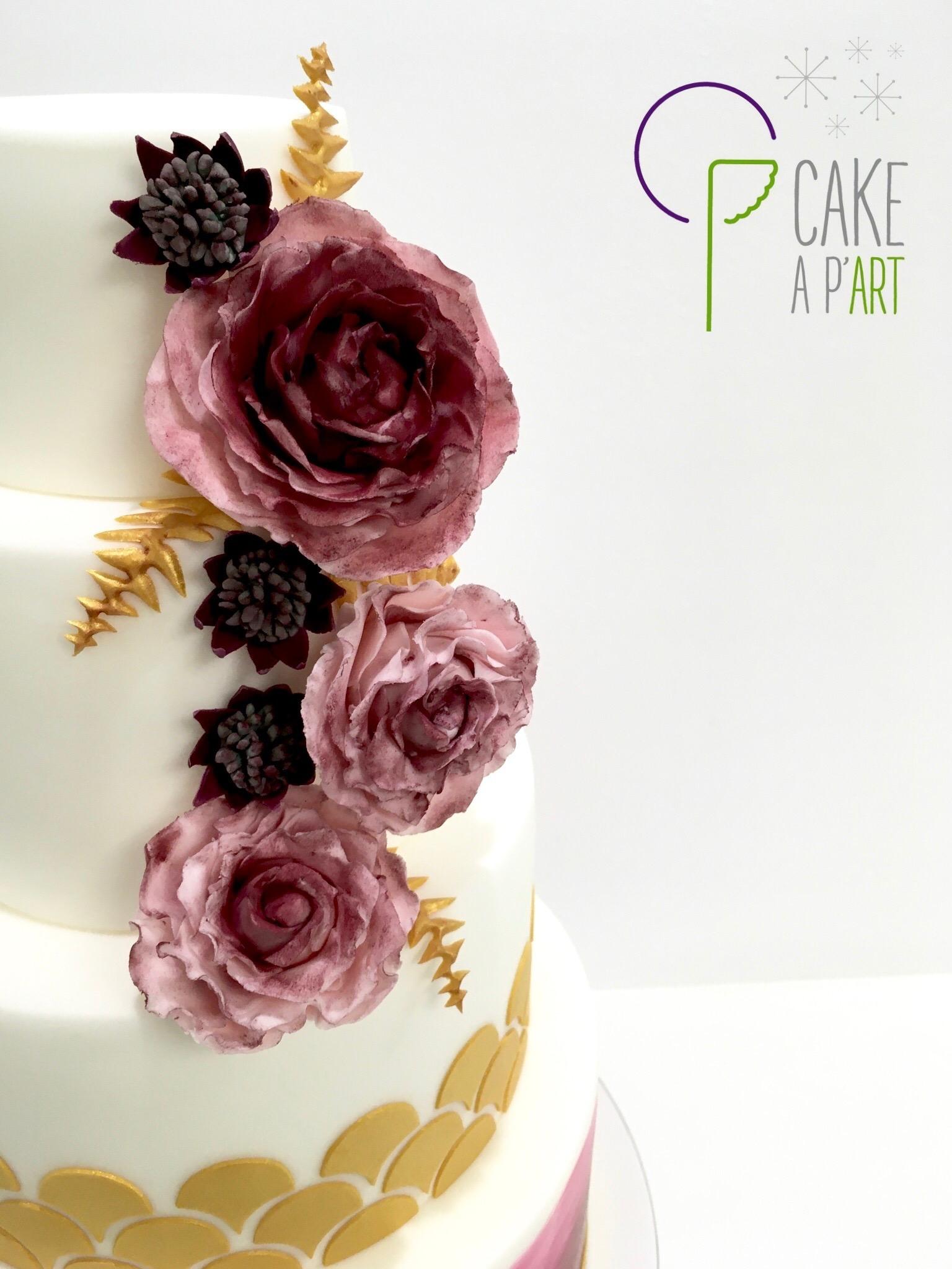 Wedding Cake Pièce montée Mariage - Thème Bordeaux et Or floral