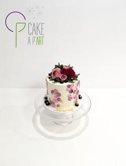 Gâteau sur mesure anniversaire adulte - Nude Cake Thème Dauphin Floral Bouquet de roses