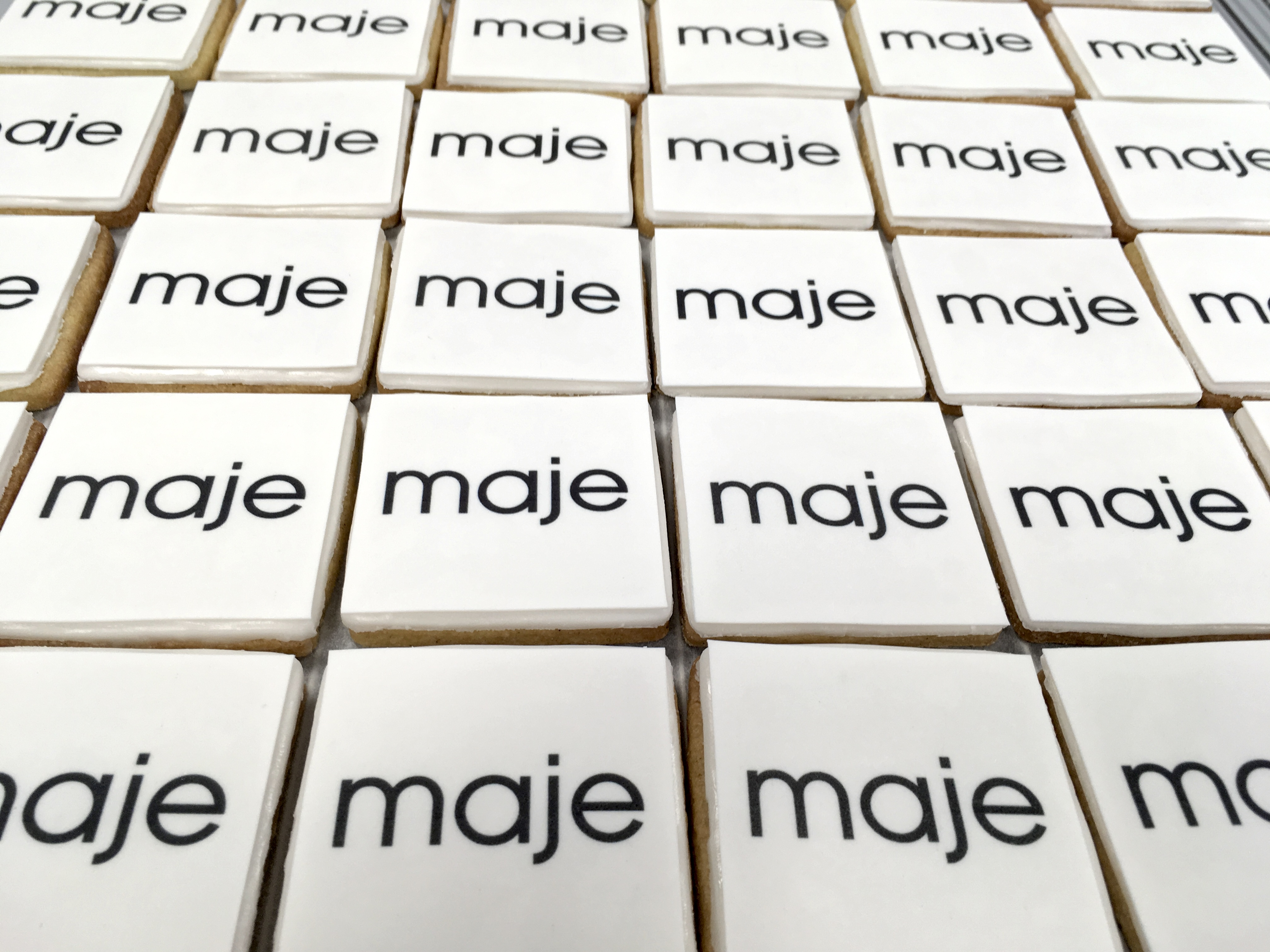 Gâteaux sur mesure Food Marketing Entreprise - Sablés logo Evènement Galeries Lafayette Maje