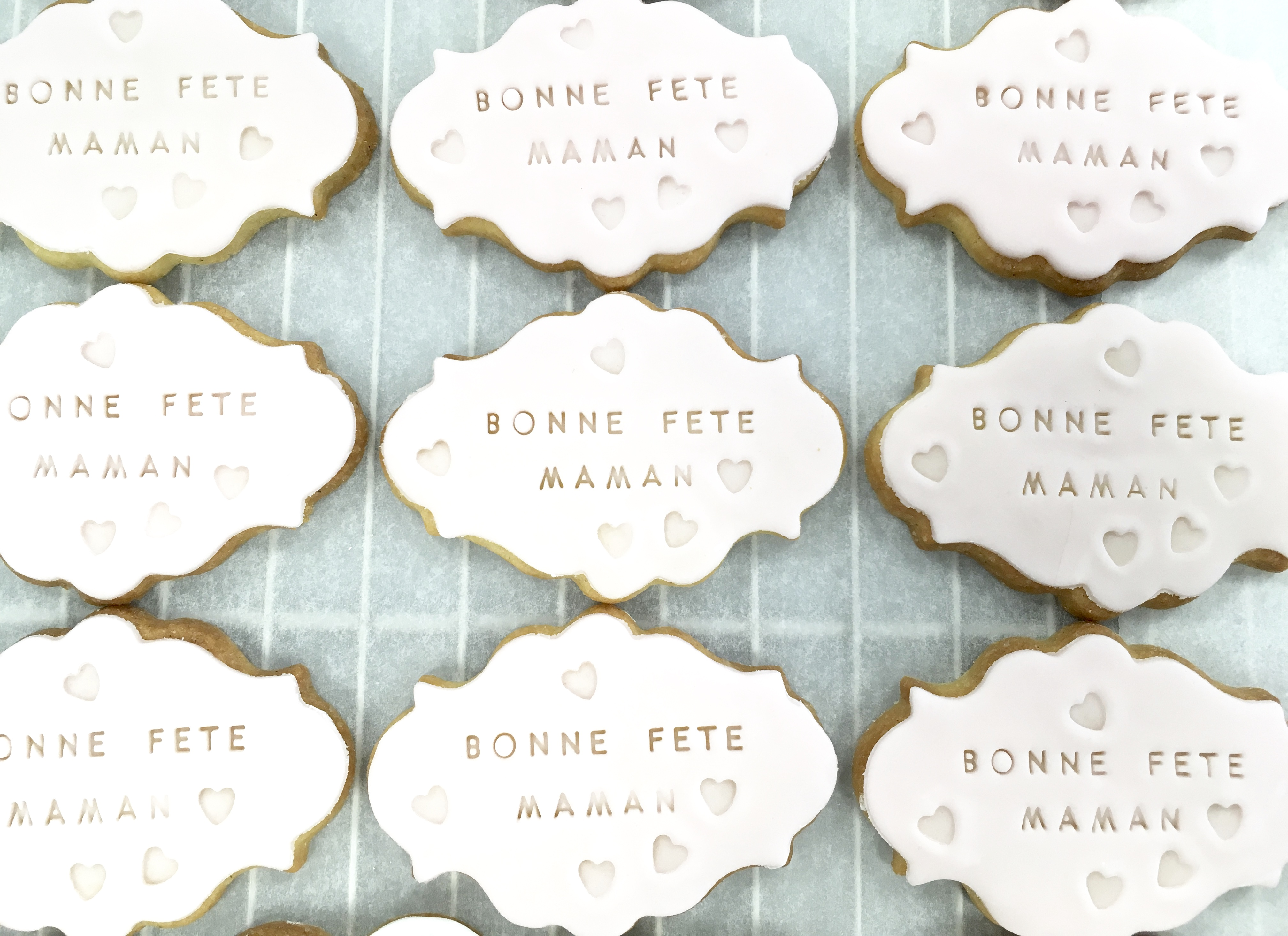 Gâteaux individuels personnalisés - Sablés décorés Fête des mères