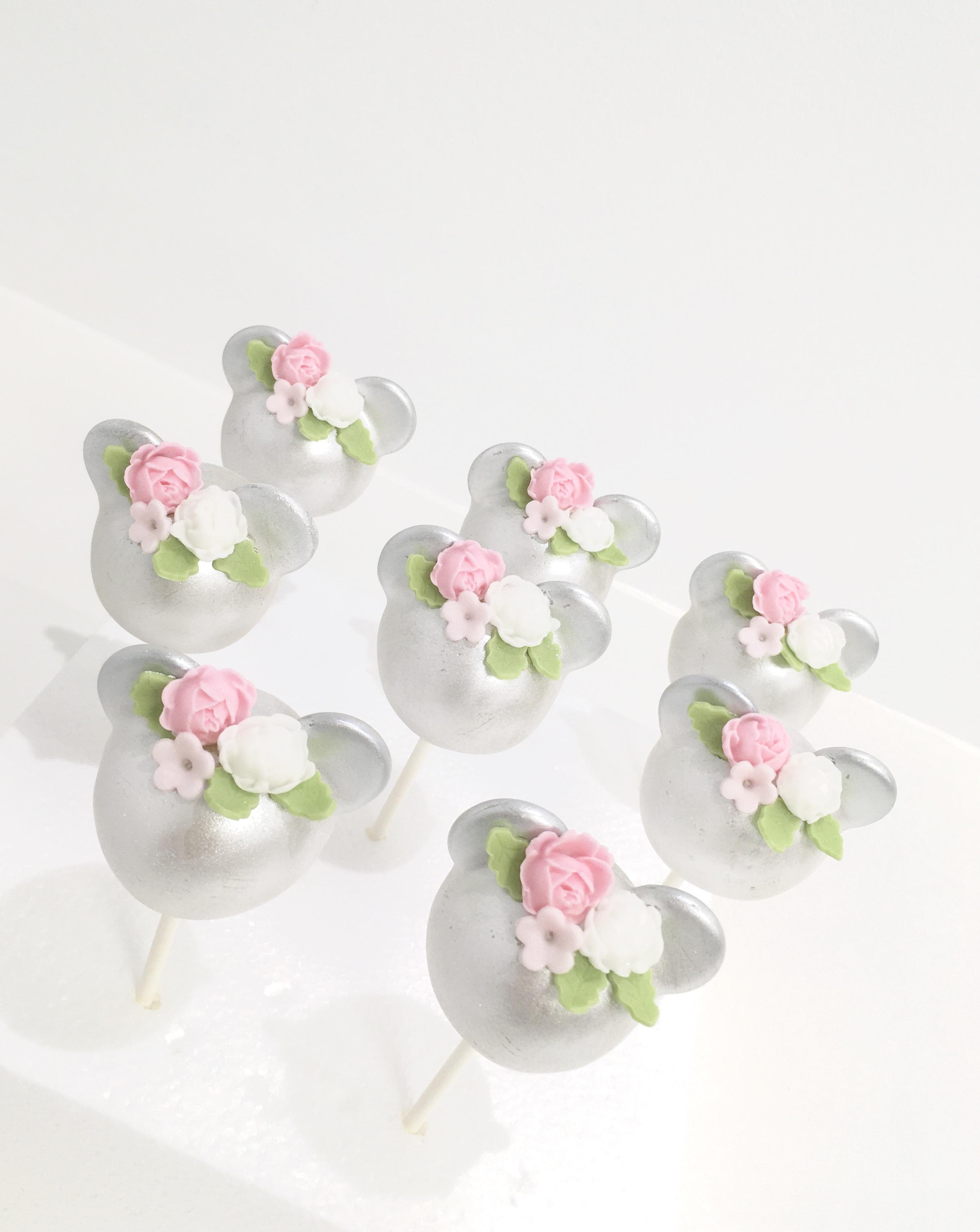 Gâteaux individuels personnalisés Baptême - Popcakes Thème Minnie et fleurs