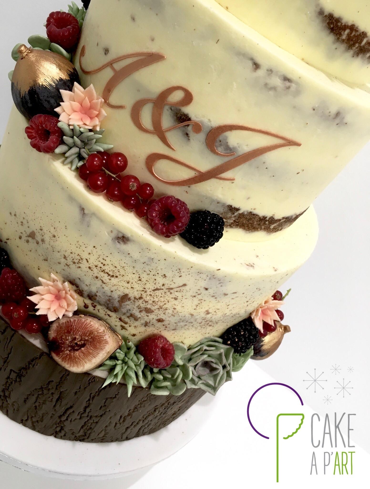 Wedding Cake Pièce montée Mariage - Nude Cake plantes grasses et fruits rouges