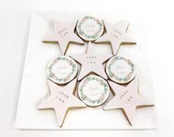 Gâteaux individuels personnalisés Anniversaire - Sablés décorés Etoiles et couronne fleurs