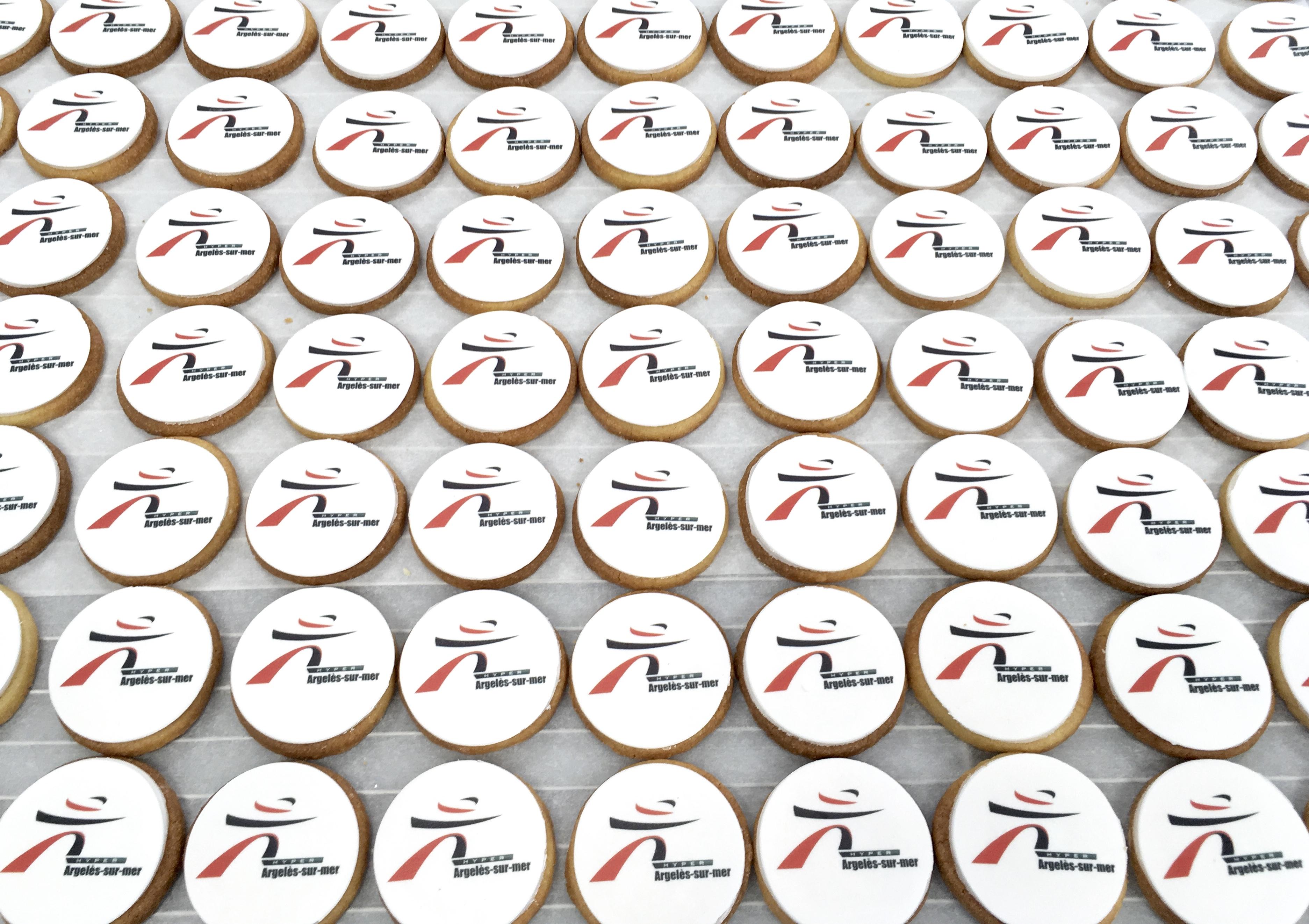 Gâteaux sur mesure Food Marketing Entreprise - Sablés personnalisés logo Evènement privé Intermarché
