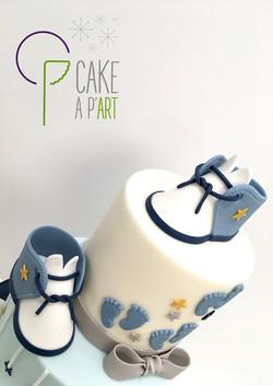- Gâteau personnalisé baptême enfant - Thème Chaussons bébé et étoiles