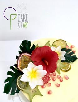 Décor en sucre gâteaux personnalisés - Nude Cake Mariage Hibiscus fleur de Tiaré et fruits exotiques