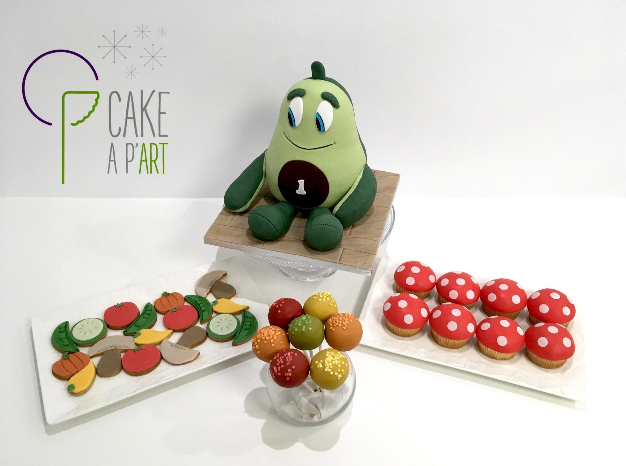 Gâteau anniversaire sculpté 3D Thème Doudou avocat et ses légumes