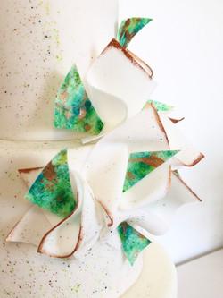 Gâteau sur mesure anniversaire adulte - Thème graphique Turquoise