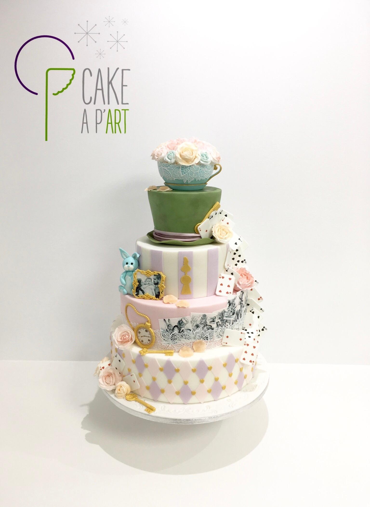 Wedding Cake Pièce montée Mariage - Thème Alice aux pays des merveilles