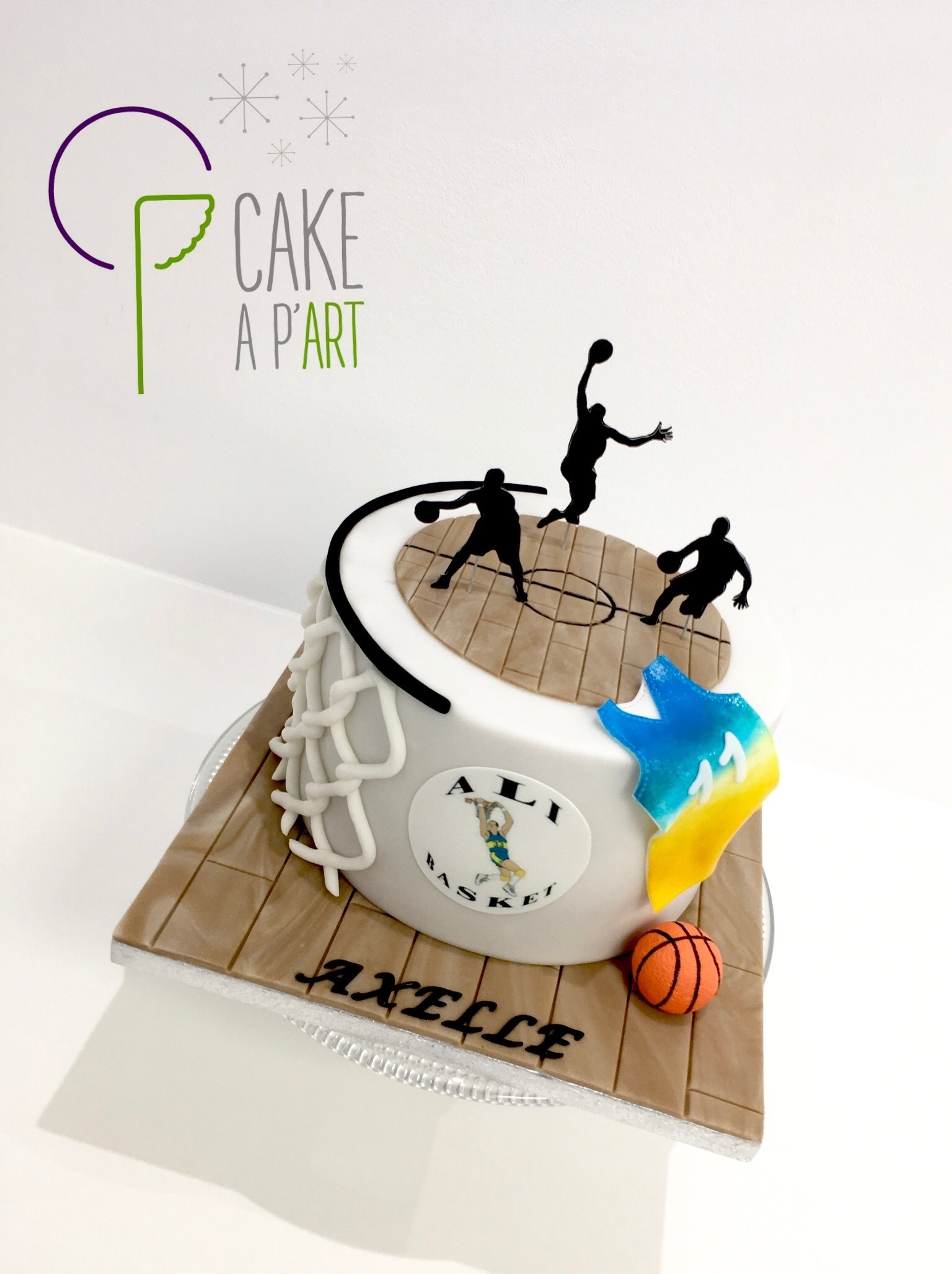 Gâteau sur mesure anniversaire adulte - Thème Basket