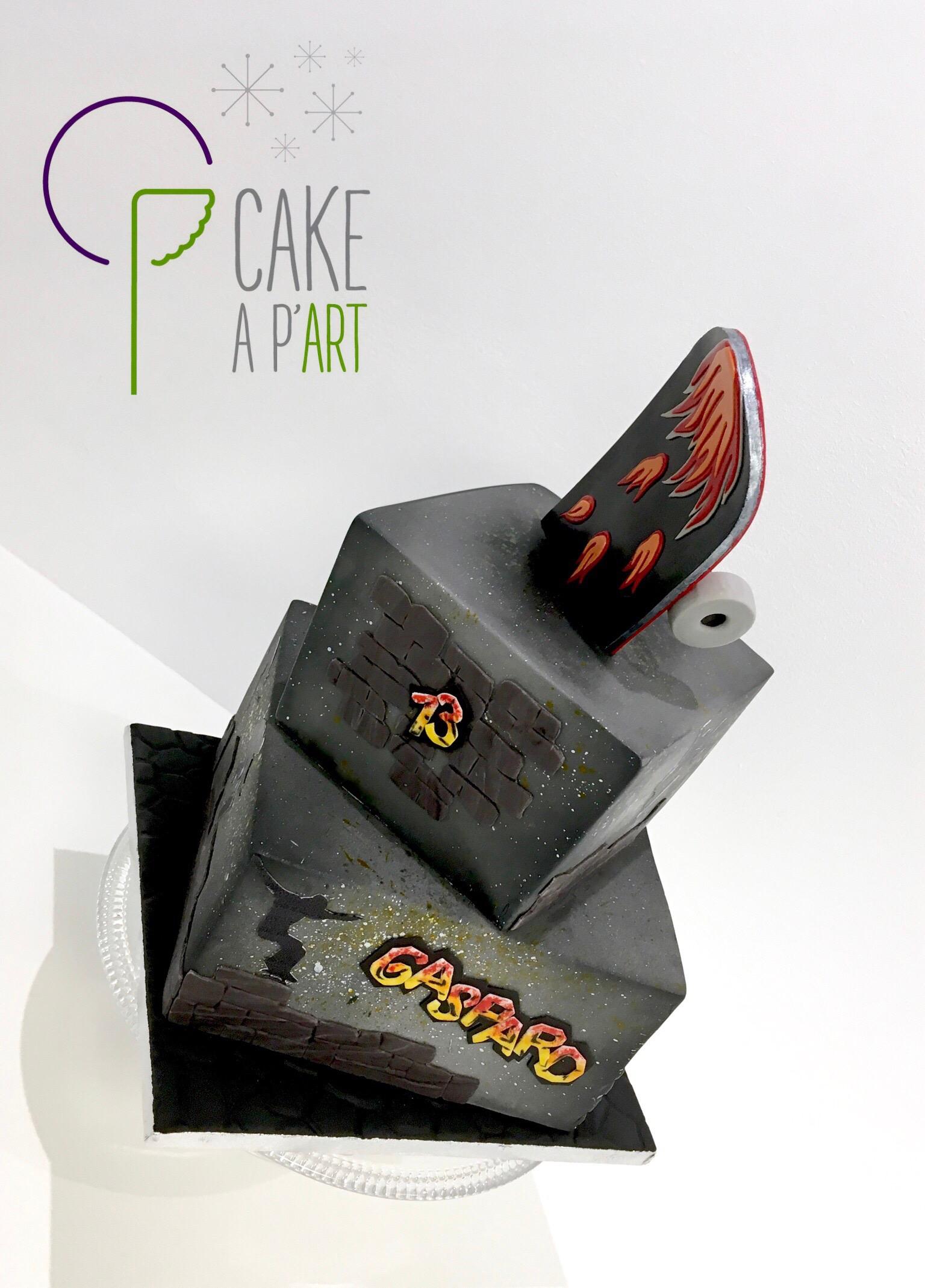 """Gâteau sur mesure anniversaire adulte - Thème Skateboard et """"tag"""""""