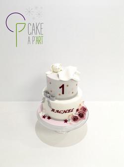 - Gâteau personnalisé anniversaire enfant - Thème Doudou Blanc et Fleurs Roses