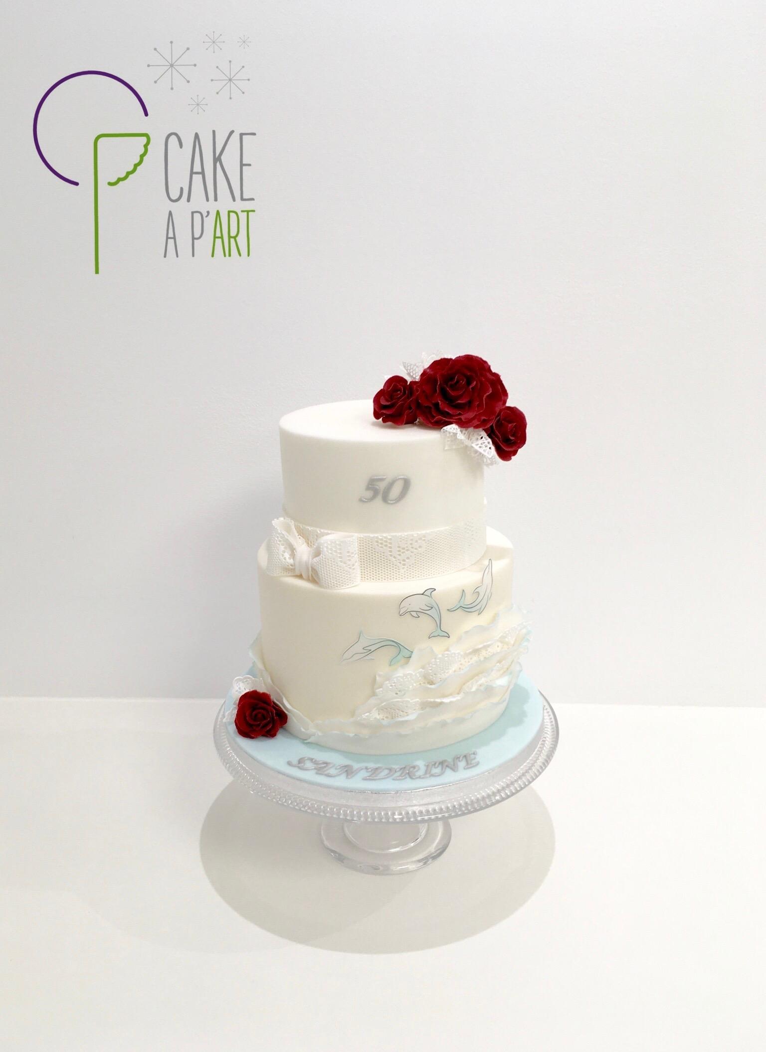 Gâteau sur mesure anniversaire adulte - Thème Dauphin Floral Roses rouges