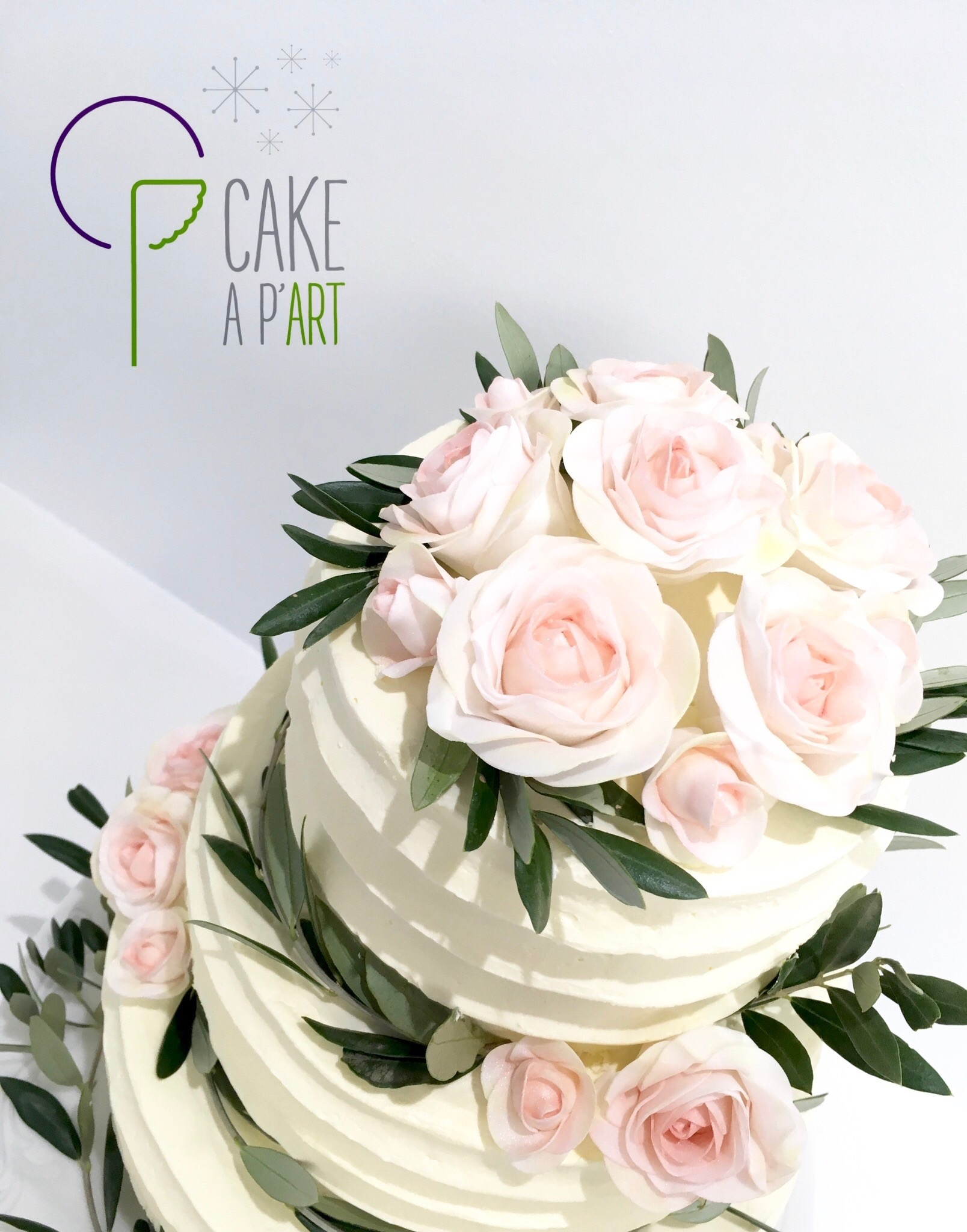 Wedding Cake Pièce montée Mariage - Nude Cake Champêtre couronne fleurs