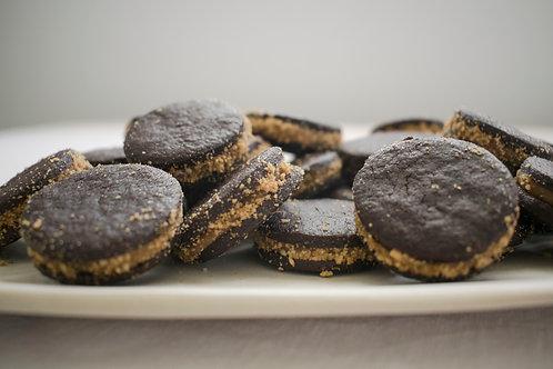 PB & Chocolate Sandwich Cookie