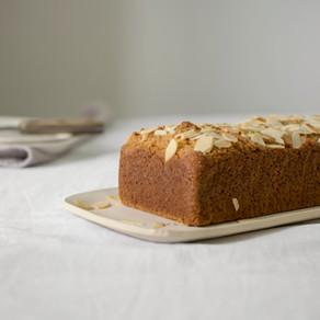 OLIVE OIL, ALMONDS AND CITRUS CAKE