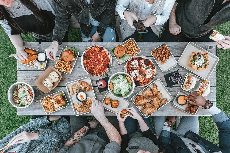 Toc & and Miam rencontres amicales et culinaires autour d'un repas événement gustatif
