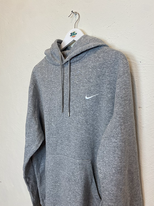 Essential Nike Hoodie (XL Kids)
