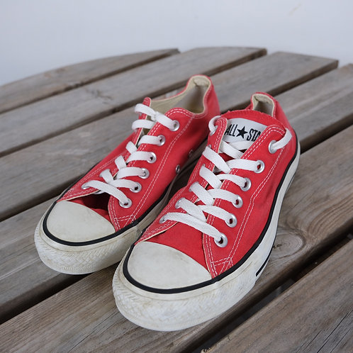 Red Converse (UK 5)