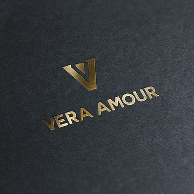 Vera Amour logo work by Roberto Peraza